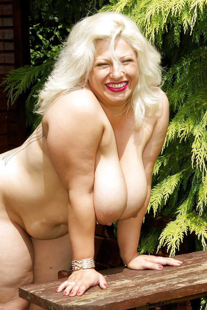 sexy mature mom free porn pics